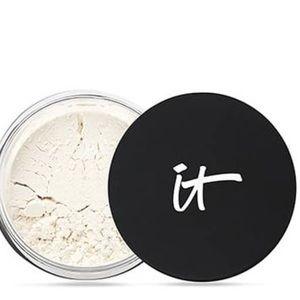 NWT It Cosmetics bye bye pores powder
